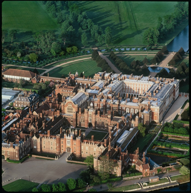 1.Hampton-Court-Palace-from-above-Historic-Royal-Palaces-3