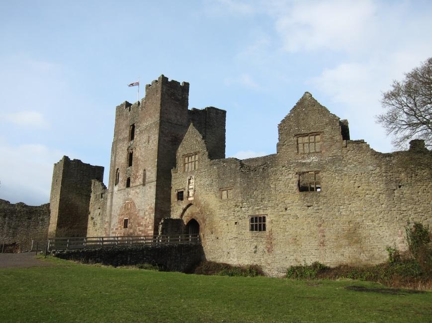 Stone-bridge-into-the-main-compound-at-Ludlow-Castle-Tudor-Times
